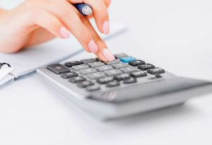 Calculator-Hand-800-546-154879808